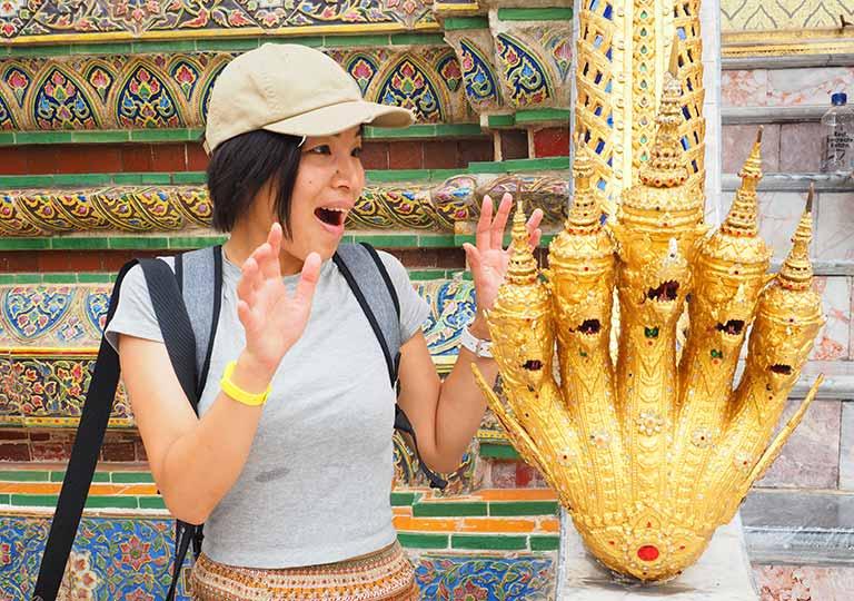 バンコク ワットプラケオ ナーガ像とEna