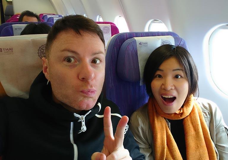 タイ航空の飛行機に乗るnicolena