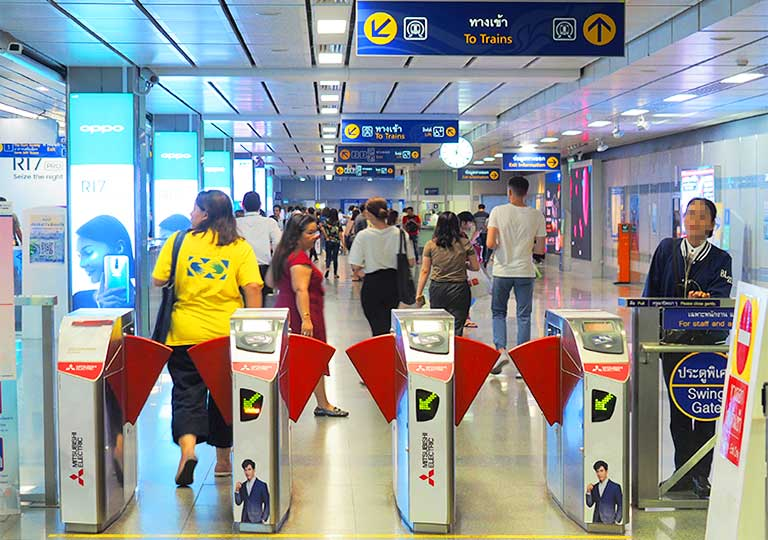 バンコク観光 MRT(地下鉄) 改札