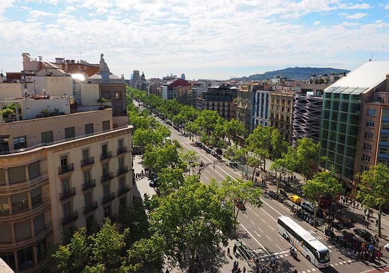 バルセロナ観光 おすすめ観光地・モデルコース グラシア通り(Passeig de Gràcia)