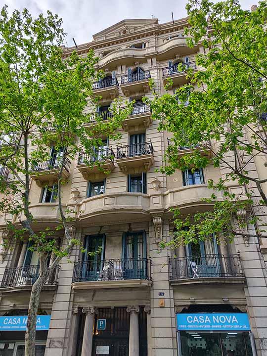 バルセロナ観光 グラシア通り(アシャンプラ地区)周辺のホテル ホスタル マルティンバル(Hostal Martinval)