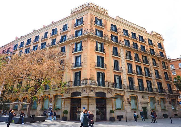 バルセロナ観光 カタルーニャ広場・ランブラス通り周辺のホテル ホテル コロン バルセロナ(Colón Hotel Barcelon)