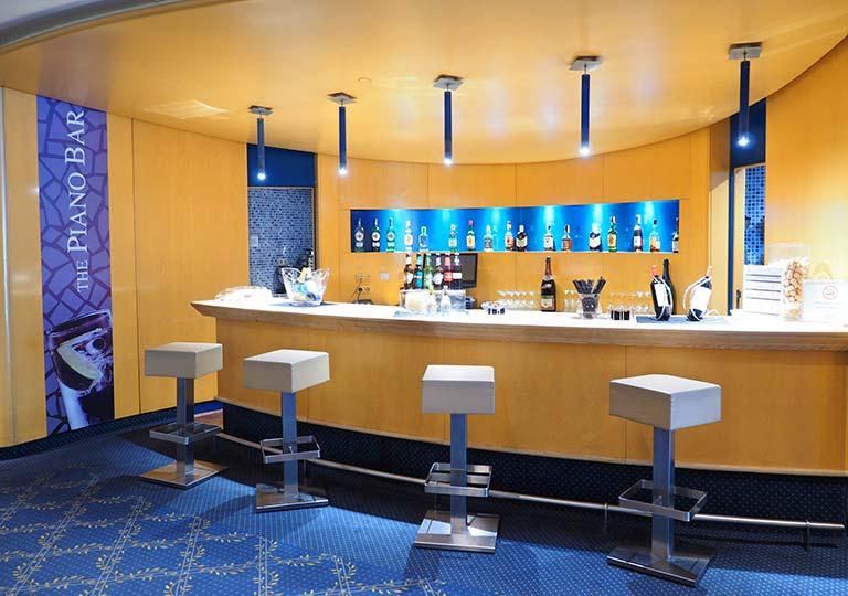 バルセロナ観光 ホテルHCCモンブラン Piano Bar