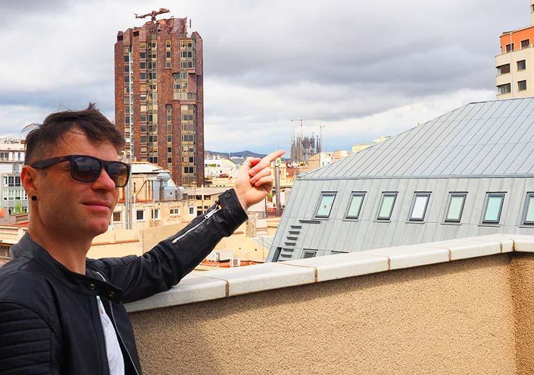 バルセロナ観光 ホテルHCCモンブラン 部屋のバルコニーから見えるサグラダファミリア