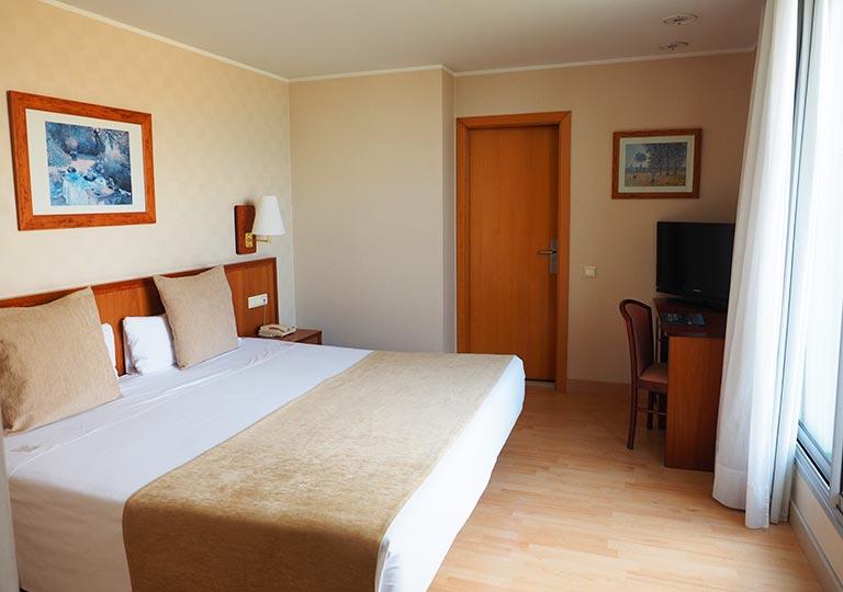 バルセロナ観光 ホテルHCCモンブラン 部屋