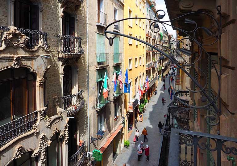 バルセロナのホテル ランブラス通り至近 ホテルヌーベル(Hotel Nouvel) 部屋からの眺め