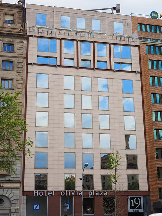 バルセロナ観光 カタルーニャ広場付近のホテル オリヴィア プラザ ホテル(Olivia Plaza Hotel)