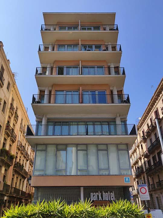 バルセロナ観光 ボルン地区のホテル パーク ホテル バルセロナ(Park Hotel Barcelona)