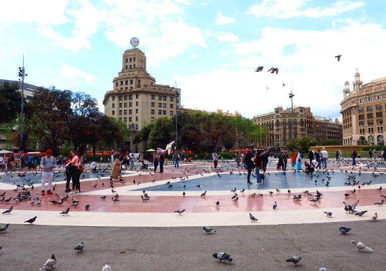 バルセロナ観光 おすすめ観光地・モデルコース カタルーニャ広場(Plaça de Catalunya)