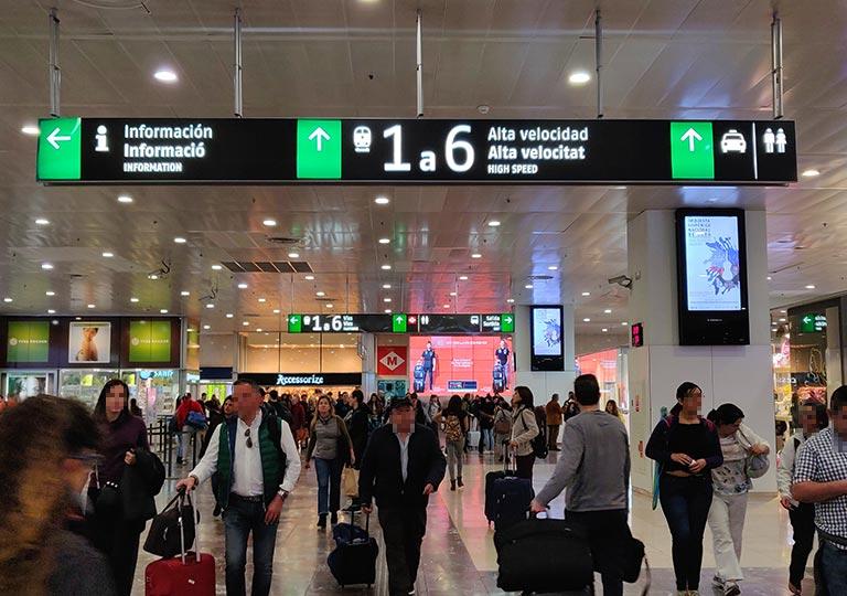 バルセロナ観光 バルセロナ・サンツ駅(Barcelona Sants Station)