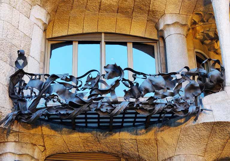バルセロナ観光 カサミラ(Casa Milà) バルコニーの手すり