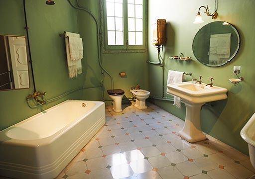 バルセロナ観光 カサミラ(Casa Milà)の住居スペース バスルーム