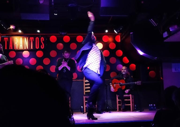 バルセロナ観光 フラメンコショー ロス タラントス(Los Tarantos) 男性ダンサー