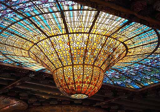バルセロナ観光 カタルーニャ音楽堂(Palau de la Música Catalana)ガイドツアー コンサートホール ステンドグラス