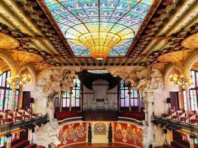 「カタルーニャ音楽堂を見学!行き方や注意点は?ステンドグラスが美しすぎた」 トップ画像
