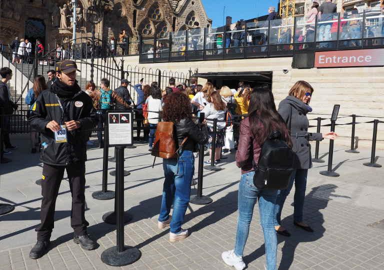 バルセロナ観光 サグラダファミリア 入場口