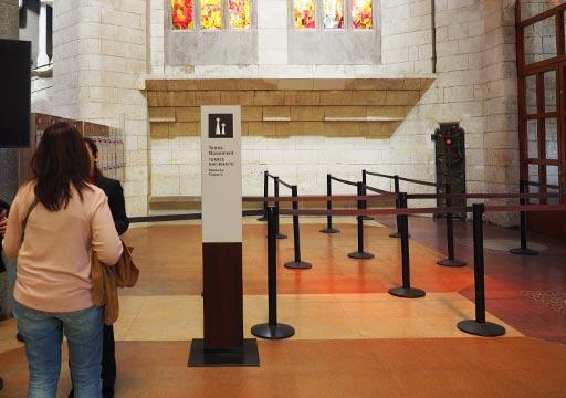 バルセロナ観光 サグラダファミリア(Sagrada Familia) 生誕のファサードの塔 エレベーター