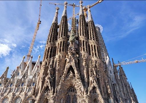 バルセロナ観光 サグラダファミリア 生誕のファサード