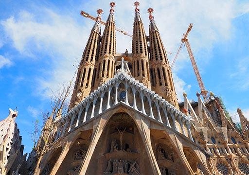 バルセロナ観光 サグラダファミリア 受難のファサード