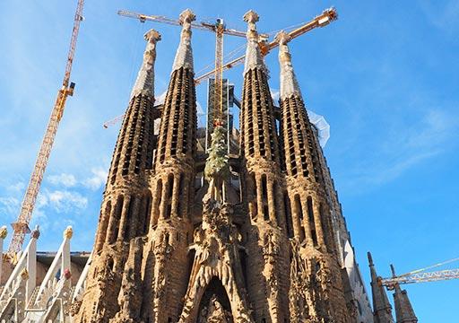 バルセロナ観光 サグラダファミリア 生誕のファサードの塔