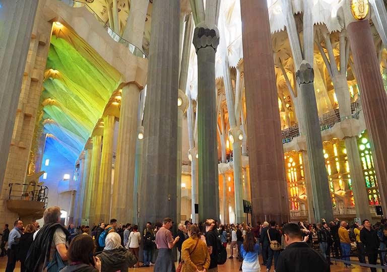 バルセロナ観光 サグラダファミリア(Sagrada Familia) 聖堂内部