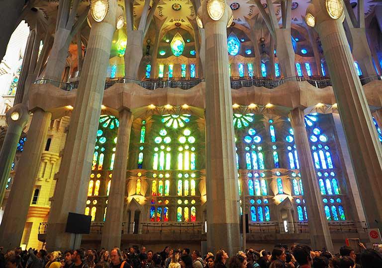 バルセロナ観光 サグラダファミリア 内部