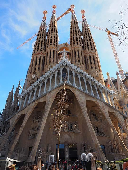 バルセロナ観光 サグラダファミリア(Sagrada Familia) 受難のファサード