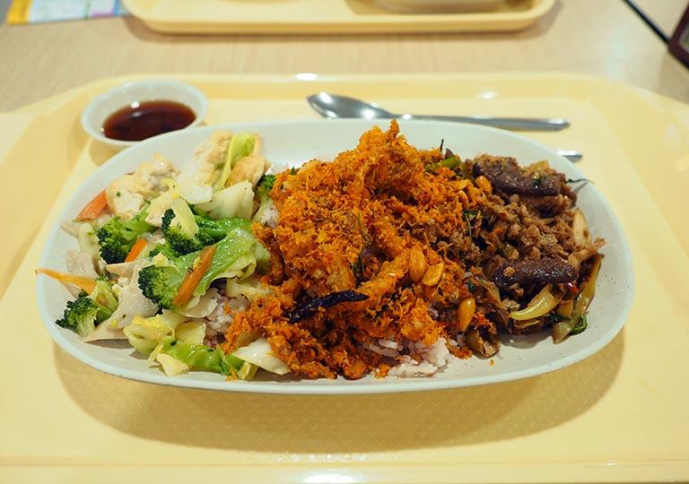 バンコク観光 MBKセンター フードコートMBK FOOD ISLAND ベジタリアン料理