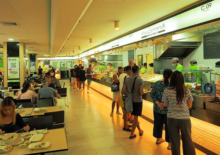 バンコク観光 MBKセンター(マーブンクロンセンター) フードコートMBK FOOD ISLAND