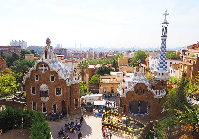 バルセロナ観光 グエル公園(Park Güell) 見どころ⑤中央広場(ラ・ナトゥーラ広場)からの景色