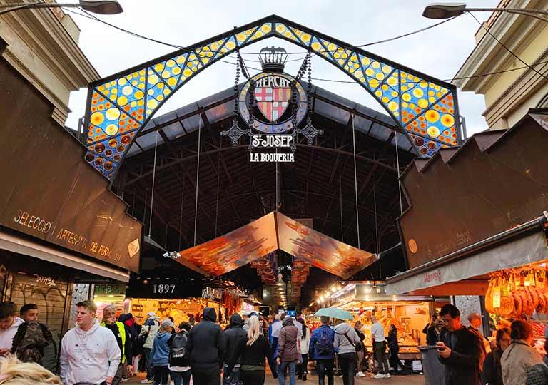 バルセロナ観光 おすすめ観光地・モデルコース ボケリア市場(Mercado de La Boqueria)