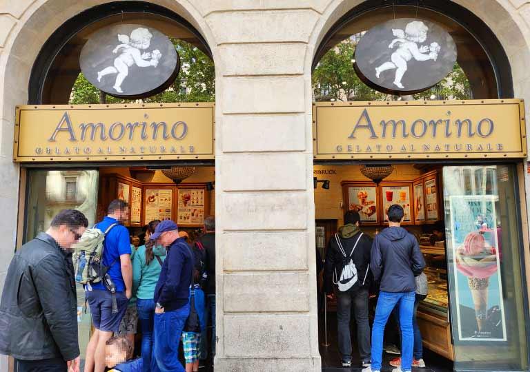 バルセロナ観光 ランブラス通り(La Rambla) ジェラート店Amorino