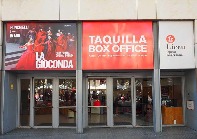 バルセロナ観光 ランブラス通り(La Rambla) リセウ劇場(Gran Teatre del Liceu)