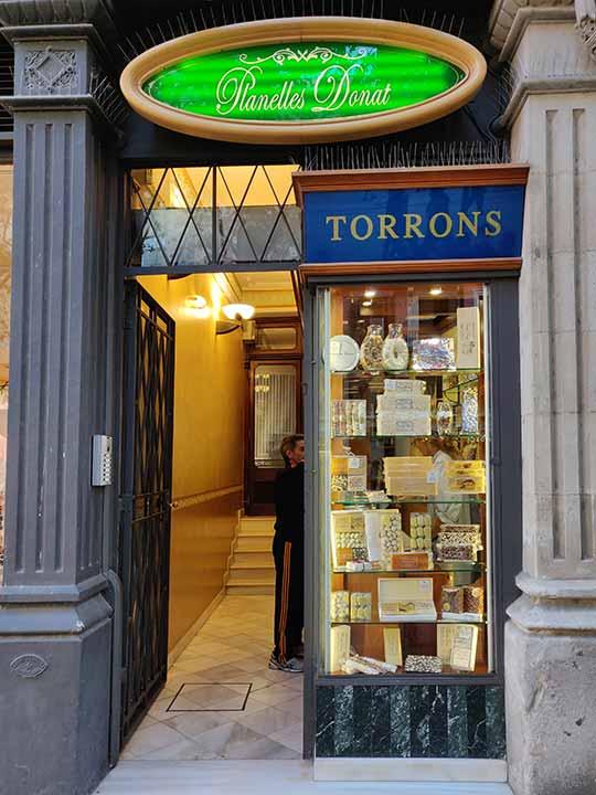 バルセロナ観光 おすすめのお土産 トゥロン(Turrón) Planelles Donat