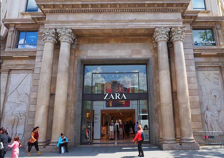 バルセロナ観光 おすすめのお土産 ZARA