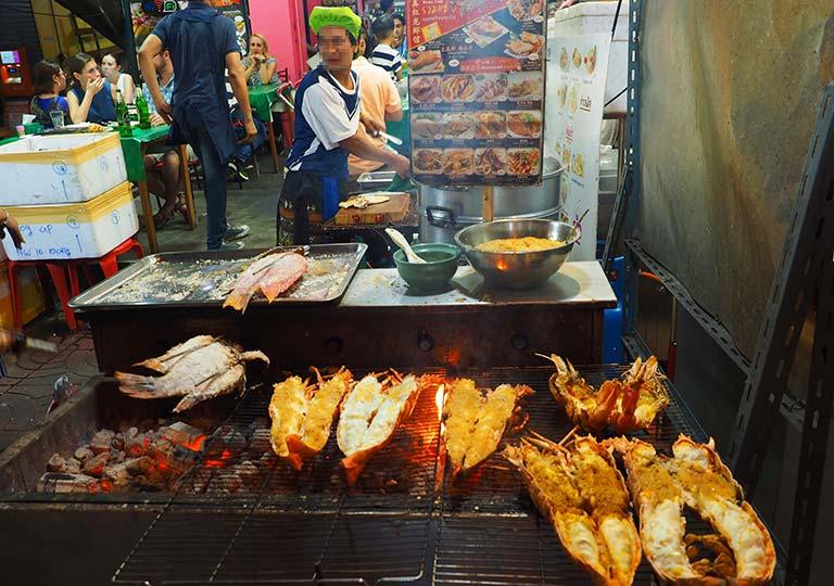 バンコク観光  チャイナタウンの屋台 ロブスター