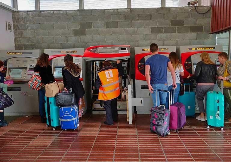 バルセロナ観光 バルセロナ空港 郊外電車ロダリアス(Rodalies)の券売機