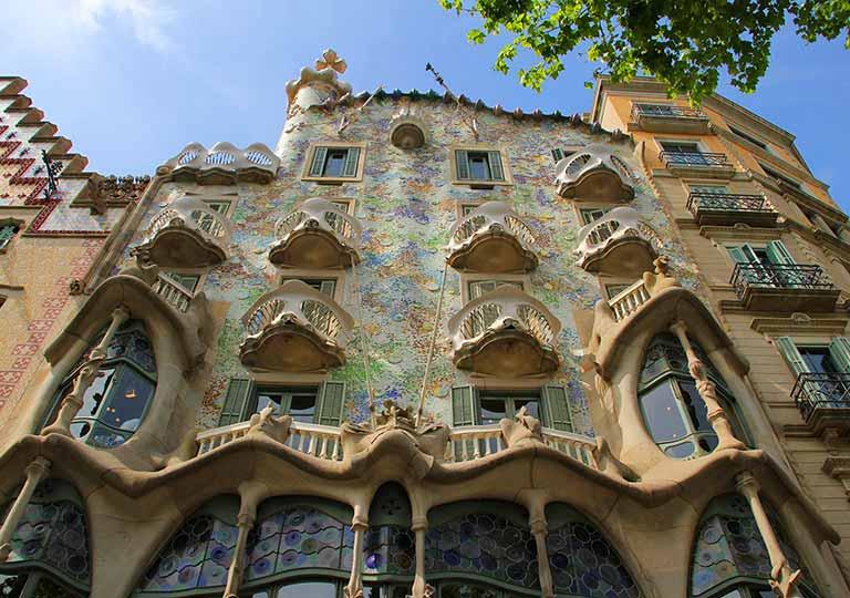 バルセロナ観光 おすすめ観光地・モデルコース カサバトリョ(Casa Batlló)