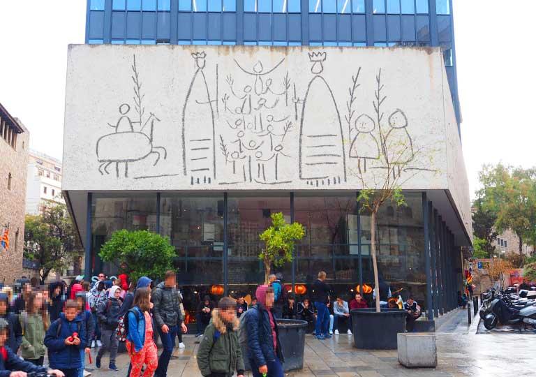 バルセロナ観光 おすすめ観光地・モデルコース ピカソの壁画