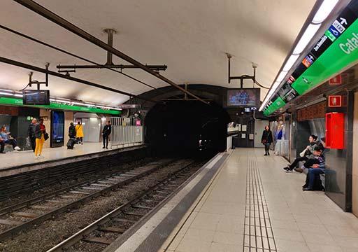バルセロナ観光 地下鉄(メトロ) プラットフォーム