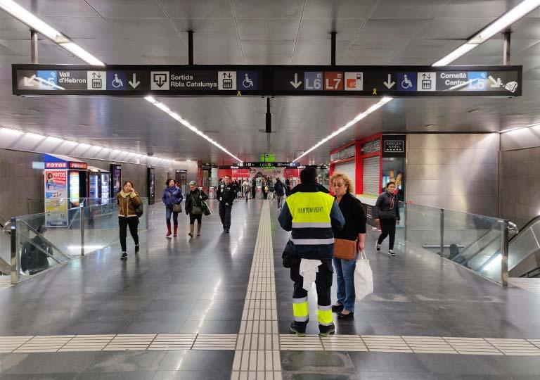バルセロナ観光 地下鉄(メトロ) 駅構内のセキュリティ