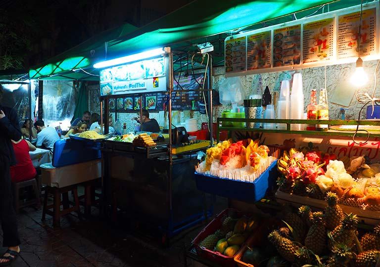 バンコクグルメ タイの名物グルメ パッタイの屋台