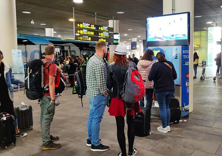 バルセロナ観光  空港バス(アエロバス)券売機