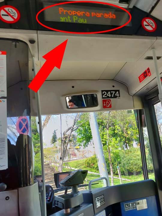 バルセロナ観光 市バスの電光掲示板