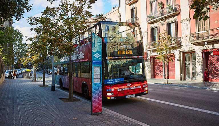 バルセロナ観光 バルセロナ・バス・ツーリ スティックのバス停
