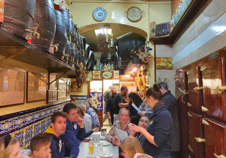バルセロナグルメ タパスバル エル・シャンパニェットのエル・シャンパニェットの店内