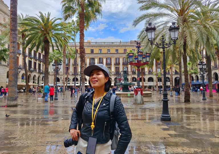 バルセロナ観光 レイアール広場