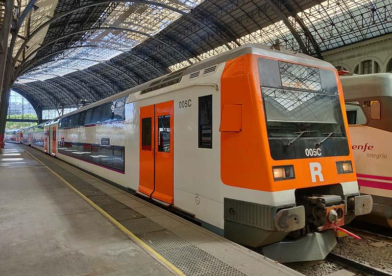 バルセロナ観光 郊外電車Rodalies