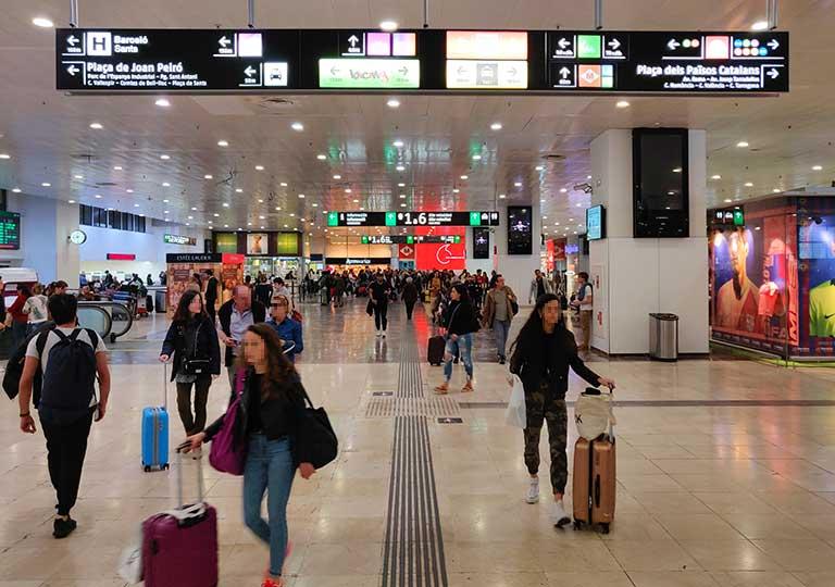バルセロナ・サンツ駅(Estació de Sants)  駅構内