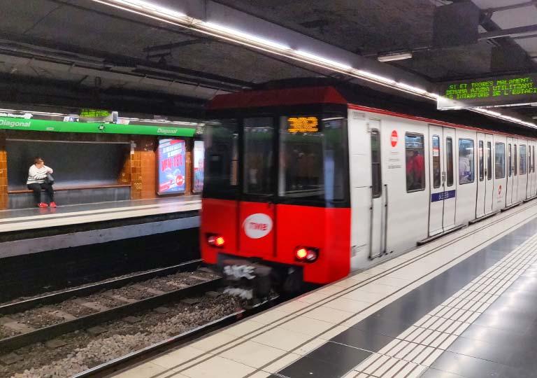 バルセロナ観光 バルセロナの地下鉄